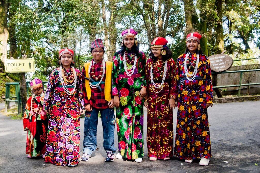 Intègre les dimensions spirituelles rares pour renforcer ton art (Costumes traditionnels en Inde)
