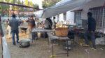 Lors d'un mariage en Inde : tout est cuisiné sur place