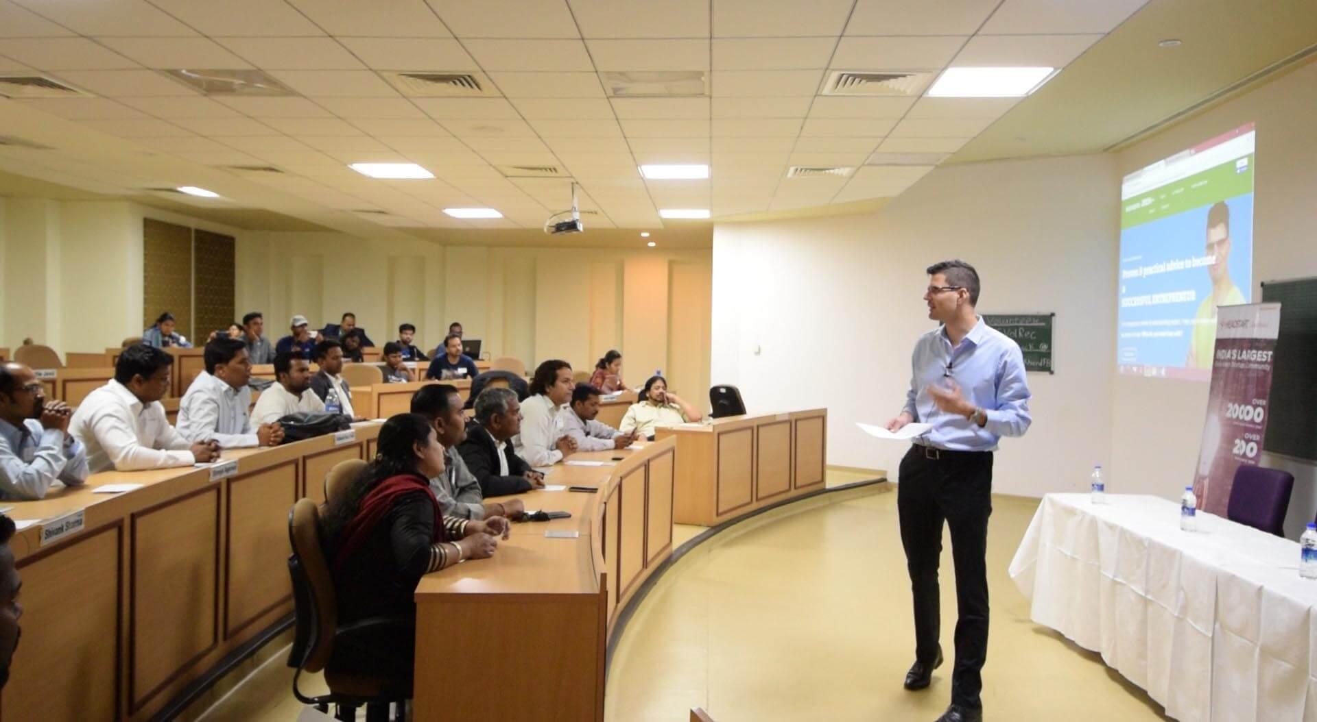 Conférence Développer sa startup en Inde - David Levesque, mentor et expert webmarketing