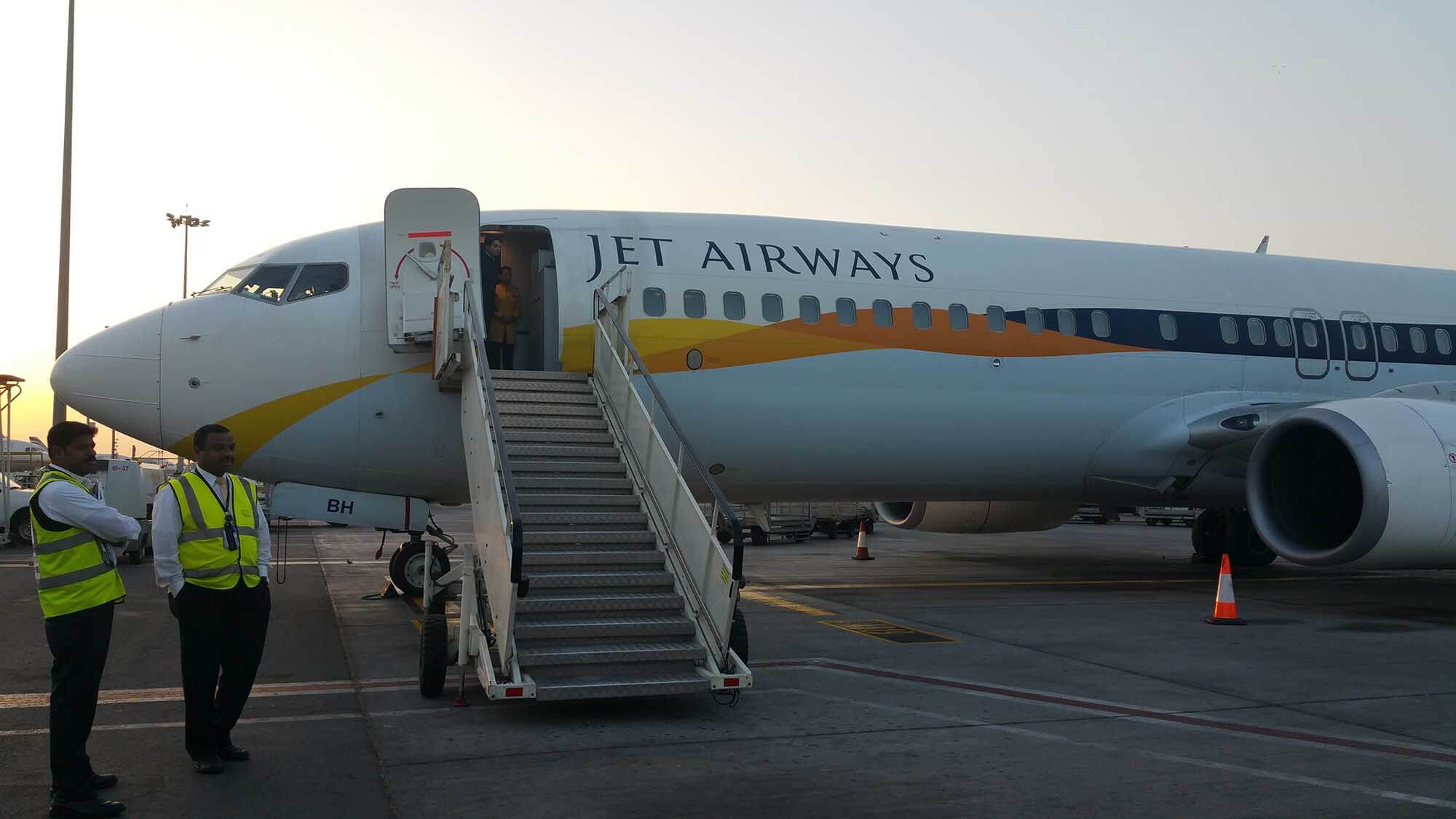 Digital nomad, traveling and happyness !!! Here my flyght Jet Airways while going to India